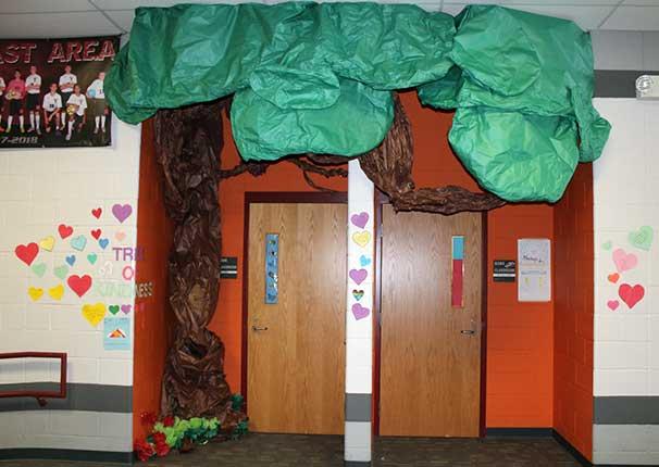 Kindness Tree at Mesabi East School